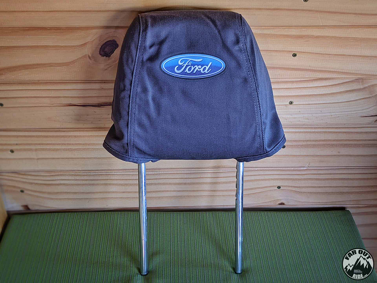 Installing the cover on the headrest (Ford seat cover)